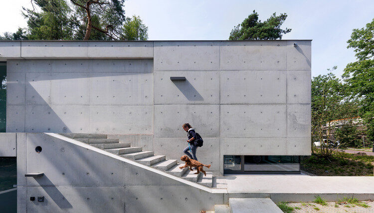 Exposed- concretewall- chennai